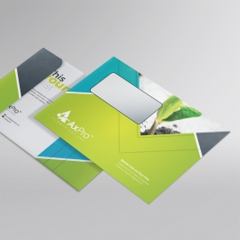 Green Accent Clean Business B5_Envelope With Abstract